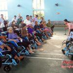Đô Lương: Tặng xe lăn cho người khuyết tật