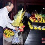 Thủ tướng Nguyễn Xuân Phúc dâng hoa, dâng hương tại Truông Bồn