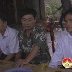 Đồng chí Lê Minh Giang thăm hỏi gia đình 2 em học sinh bị chết đuối ở xã Thuận Sơn