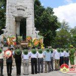 Huyện Đô Lương tổ chức dâng hoa, dâng hương tại nghĩa trang liệt sỹ tỉnh Quảng Trị