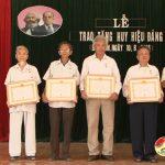 Đảng bộ xã Bắc Sơn đã tổ chức Lễ trao tặng huy hiệu Đảng