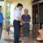 Đô Lương tặng quà các nạn nhân bị nhiễm chất độc da cam Dioxin