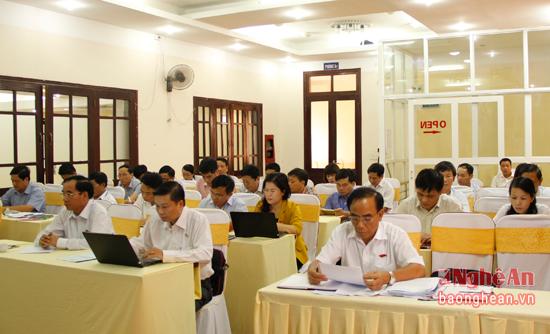 Các đại biểu tham dự buổi thảo luận.