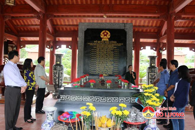 Truong-Bon2