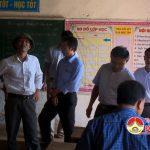 Đồng chí Ngọc Kim Nam – Chủ tịch UBND huyện  kiểm tra trường Tiểu học xã Đại Sơn.
