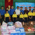 Đoàn thanh niên Sở tài chính và kiểm toán khu vực 2 tặng quà Trung tâm công tác xã hội tỉnh Nghệ An.