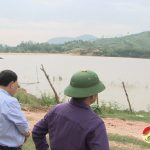 Đồng chí  Nguyễn Trung Thành – Phó chủ tịch UBND huyện kiểm tra  công tác phòng chống bão lụt.