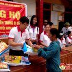 Công ty Lạc Hồng Taxi trao hơn 250 suất quà cho nhân dân vùng lũ  Hương Khê Hà Tĩnh