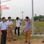 Đồng chí Hoàng Văn Hiệp – Phó chủ tịch UBND huyện kiểm tra công tác giải phóng mặt bằng tuyến đường N5.