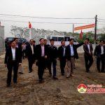 Ban chỉ đạo xây dựng NTM tỉnh thẩm định kết quả xây dựng nông thôn mới ở xã Lạc Sơn.