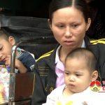 Xót xa gia đình có 2 con bị bại não úng thủy