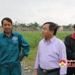 Đồng chí Ngọc Kim Nam – Chủ tịch UBND huyện thăm trang trại anh Lê Tiến Bảy xã Đặng Sơn