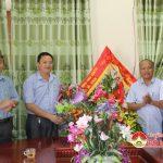 Lãnh đạo huyện Đô Lương tổ chức các đoàn chúc mừng ngày nhà giáo Việt Nam tại các trường học.