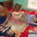Hoàn cảnh đáng thương của hai cháu bị bệnh bại não xã Quang Sơn