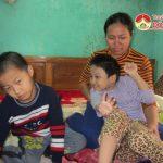 Hai cháu xóm 4, xã Quang Sơn rất cần sự chung tay giúp đỡ của cộng đồng