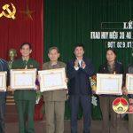 Đảng bộ xã Đà Sơn tổ chức lễ trao huy hiệu Đảng cho các Đảng viên
