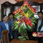 Đồng chí Ngọc Kim Nam – Chủ tịch UBND huyện thăm tặng quà giáo xứ Bột Đà nhân ngày lễ giáng sinh