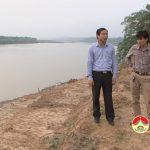 Đồng chí Hoàng Văn Hiệp – Phó chủ tịch UBND huyện kiểm tra tiến độ thi công các công trình trên địa bàn huyện.