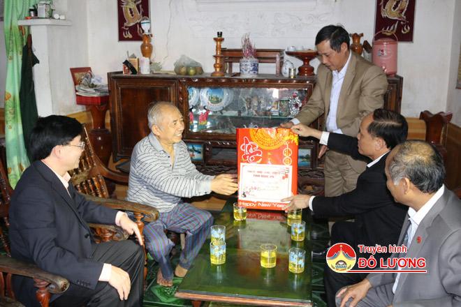 Dc-Thong-tang-qua2