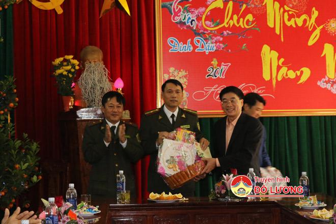 Dc-Thong-tang-qua5