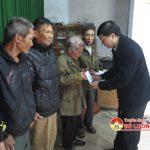 Đồng chí Lê Hồng Vinh – UVBTV Tỉnh ủy – Chủ nhiệm UBKT Tỉnh ủy trao 35 suất quà cho người nghèo tại xã Lưu sơn, huyện Đô Lương