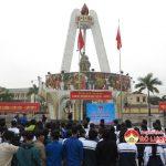 Huyện Đoàn Đô Lương tổ chức lễ kết nạp 140 đoàn viên tại tượng đài khởi nghĩa Đô Lương