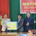 Đảng ủy khối doanh nghiệp tỉnh Nghệ An trao 40 suất quà cho người nghèo