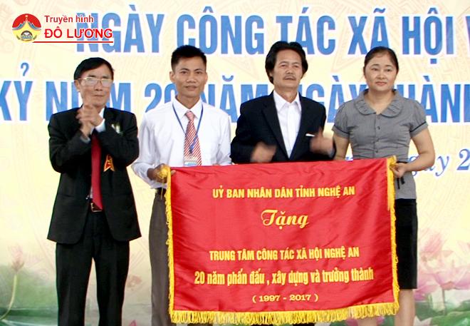 TTcon-tacxh4