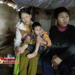 Thương xót cảnh vợ chồng nghèo nuôi 3 con bị bệnh bại não