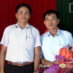Đồng chí Lê Minh Giang trao quyết định luân chuyển cán bộ tại xã Giang Sơn Đông và Hồng Sơn