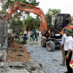 Xã Trù Sơn tháo dỡ 2.700 m tường bao