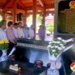 Đoàn cán bộ Huyện ủy, UBND huyện Nghĩa Hành thăm huyện Đô Lương.