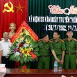 Lãnh đạo huyện Đô Lương chúc mừng 55 năm ngày thành lập lực lượng Cảnh sát nhân dân