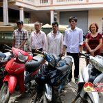 Công an huyện trả 5 xe máy cho người dân