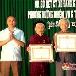 Đảng bộ xã Yên Sơn tổ chức lễ trao tặng huy hiệu Đảng