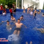 Đoàn xã Bắc Sơn tổ chức lớp học bơi miễn phí cho thiếu niên nhi đồng.
