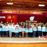 Hội  Liên hiệp Phụ nữ Việt Nam lễ trao học bổng cho nữ sinh Đô Lương  vượt khó học giỏi.