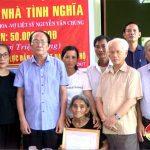 Hội hỗ trợ gia đình liệt sỹ tỉnh Nghệ An trao tiền hỗ trợ xây dựng nhà tình nghĩa