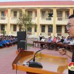 Trung tâm hợp tác trí tuệ Việt Nam: Tổ chức  giao lưu ngày hội tri thức và tặng 10  suất học bổng cho học sinh nghèo.