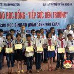 Dự án ZHISHAN FOUNDATION và quỹ bảo trợ trẻ em tỉnh Trao học bổng tiếp sức đến trường cho học sinh nghèo.