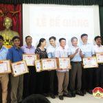 Đô Lương Bế giảng  lớp bồi dưỡng kiến thức QLNN ngạch chuyên viên khóa 31.1