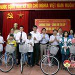 Tập đoàn VINGROUP tặng 50 xe đạp  cho học sinh nghèo Đô Lương.