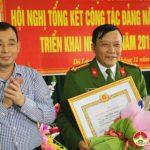 Đảng bộ công an huyện tổ chức lễ trao  huy hiệu 30 năm tuổi Đảng