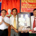 Đồng chí Ngọc Kim Nam – Chủ Tịch UBND huyện dự ngày hội ĐĐK tại xóm 7, xã Quang Sơn