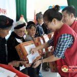 Hội chữ thập đỏ Đô Lương  Trao 100 suất quà cho hộ nghèo