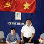 Đồng chí Ngọc Kim Nam – Chủ tịch UBND huyện tiếp xúc cử tri xóm 7, xã Nhân Sơn.