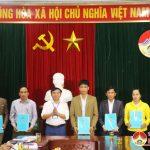 UBND huyện Đô Lương trao quyết định tuyển dụng 13 công chức cấp xã