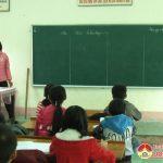 Nhận học sinh nghèo làm con nuôi