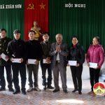 Lãnh đạo huyện Đô Lương thăm, tặng quà  cán bộ vùng giáo .