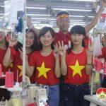4500 công nhân Công ty Prex Vinh được nghỉ để cổ vũ trận chung kết.